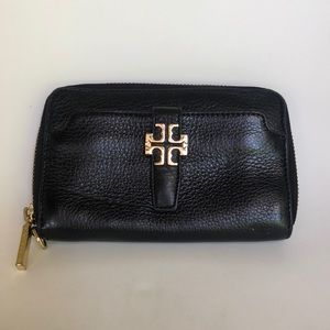 Tory Burch black leather zippered logo wallet